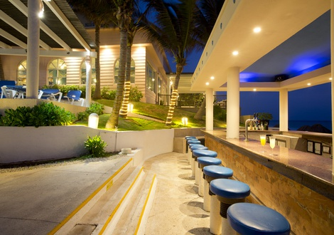 Golden Parnassus All Inclusive Resort & Spa - Tiki Bar Golden Parnassus All Inclusive Resort & Spa Hotel Cancún