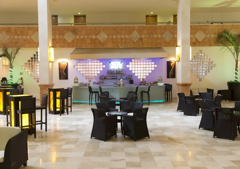 Golden Parnassus All Inclusive Resort & Spa - Beer Garden Golden Parnassus All Inclusive Resort & Spa Hotel Cancún