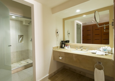 Golden Parnassus All Inclusive Resort & Spa - Bathroom Golden Parnassus All Inclusive Resort & Spa Hotel Cancún